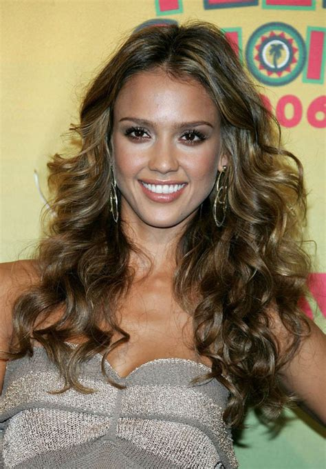 curly hairstyles for long hair and color