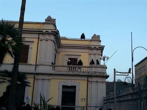 Sede Della Banca D Italia by Cosenza Occupata La Sede Della Banca D Italia