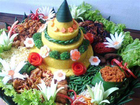 makanan khas tradisional jawa barat tumpeng unik