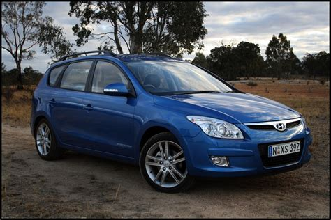hyundai i30 cw review 2009 hyundai i30cw review road test caradvice