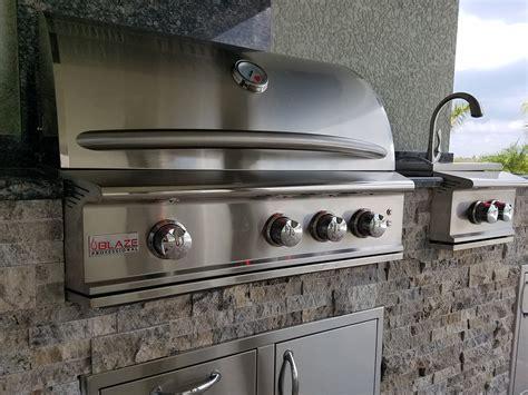 Kitchen Travertine Backsplash hurricane resistant outdoor kitchen elegant outdoor kitchens