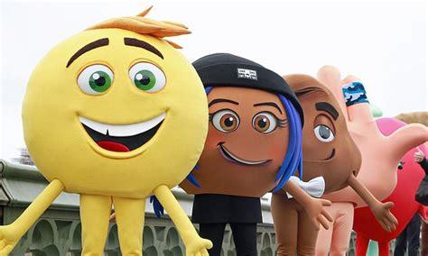 film trophy emoji the emoji movie mel gibson and tom cruise win at