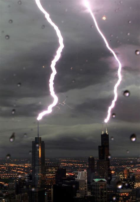 astounding lightning strike photo chicago tribune
