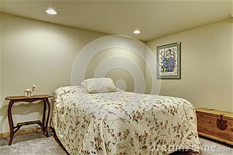 Light Cosy Small Basement Bedroom Without Windows Royalty Basement Bedroom Without Windows