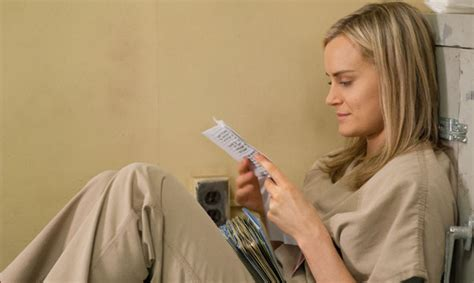 taylor schilling talks orange is the new black graphic who won at 2014 television critics association awards