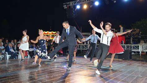 ballo di gruppo swing danze swing lindy hop odissea 2001 scuola di ballo a