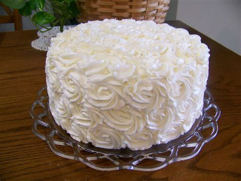 10 inch 3 layer cake this is a 10 inch 3 layer rosette cake i made for a