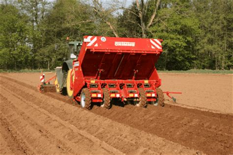 Grimme Potato Planter by Grimme Potato Planters Bring More Precision Farmers Weekly