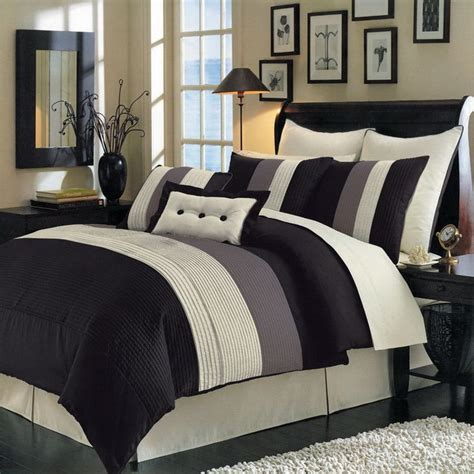 Thick White Comforter by 17 Best Ideas About White Quilt Bedding On