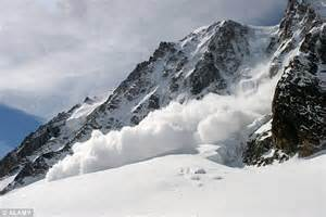 Disasters Up Avalanches disasters avalanches www pixshark images galleries with a bite