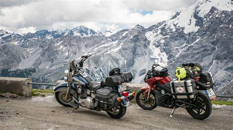 Stilfserjoch Motorrad by Stilfser Joch
