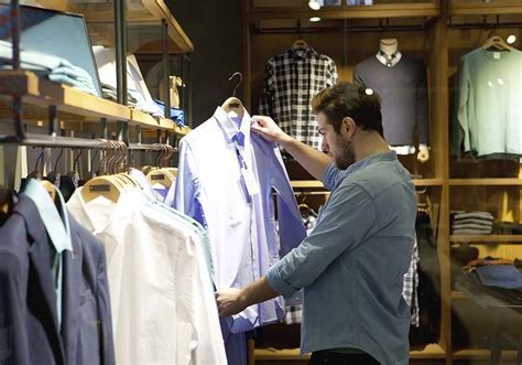 what to look for when buying s dress shirts