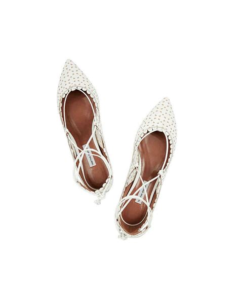 Wedding Shoes For Grass by 15 Outdoor Wedding Shoes That Won T Sink Into The Grass