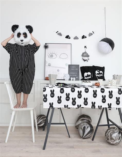 frascos decorados blanco y negro decoraci 243 n para fiestas infantiles en blanco y negro