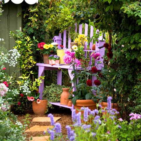 Garden Accents By Adding Bright Accents In The Garden Best Ideas Revealed