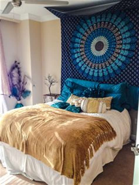 diy bedroom d 233 cor and furniture ideas anyone can try tapestry above bed 28 images diy tips to brighten your