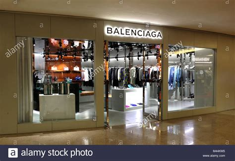 exclusive shop interior stock photos exclusive shop interior stock images alamy