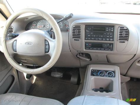 2002 Ford Expedition Interior by 2002 Ford Expedition Eddie Bauer Medium Parchment Dashboard Photo 39761254 Gtcarlot