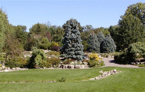 Rock Garden Mn Stunning Rock Garden Mn Lyndale Park Peace Rock Garden Minneapolis Cityseeker Gardensdecor