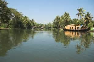 kumarakom house boat joy travels beautiful south india tour package trivandrum kumarakom thekkady munnar