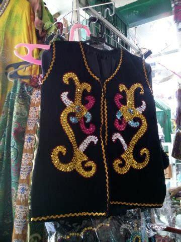 Baju Adat Anak Tk Sd Hewes gambar suku dayak kalimantan barat gambar baju di rebanas rebanas