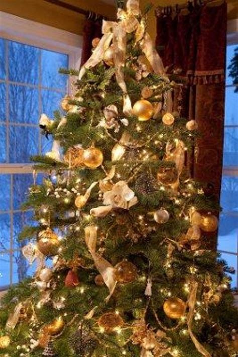 decorate your christmas tree with bows ribbon holidappy decorate your christmas tree with bows ribbon holidappy