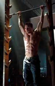 Make Your Own Workout Bench Stephen Amell Workout Bodyweight Moves For Arrow Shape