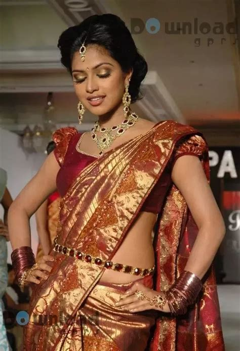 low hip saree draping which accessories do indian women wear while draping a
