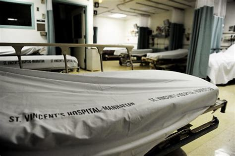 st vincent hospital emergency room 3 500 lose their as st vincent s closes ny daily news