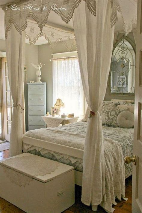 shabby chic bedroom chairs best 25 shabby chic chairs ideas on