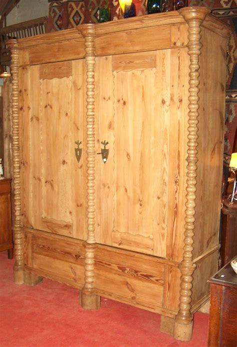 Kleiderschrank Weichholz by Kleiderschrank Weichholz Um 1800 Sch 246 Ne Antike M 246 Bel
