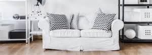 sofa landhausstil wohnzimmer mit sofa im landhausstil hell und so gem 252 tlich