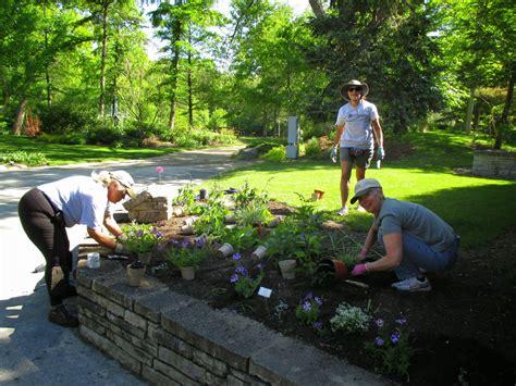 Rotary Botanical Gardens Janesville Wi Volunteer Work Days At Rotary Botanical Gardens Janesville Wi