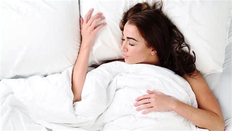 tips for women in bed woman sleeping in bed 28 images pretty woman sleeping in bed stock photography