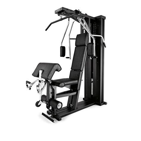 attrezzatura palestra casa allenamento forza con gli attrezzi home fitness