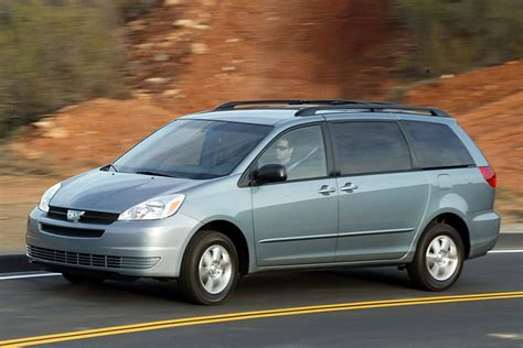small engine maintenance and repair 2005 toyota sienna security system 2005 toyota sienna overview cars com
