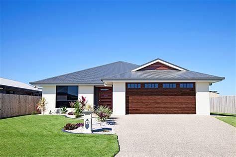 chiohd residential garage doors accents chi overhead doors