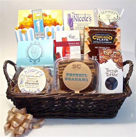 chicago christmas gift ideas chicago themed gift baskets for clients events family friends