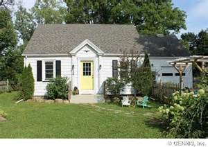 Small Homes Rochester Ny Homes On The Market For 100 000 Zillow Porchlight