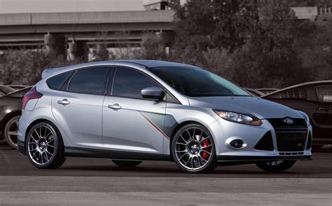 ford focus  roush performance review top speed
