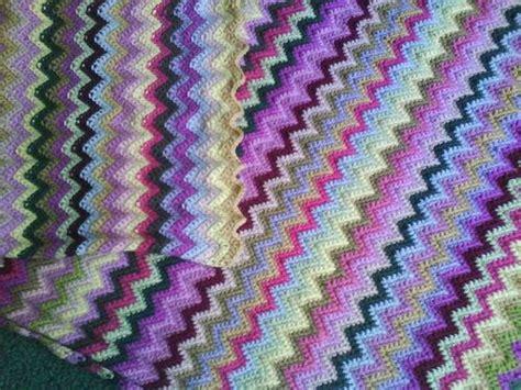 single crochet zig zag pattern zig zag blanket recipe crochet baby afghans pinterest
