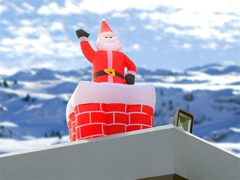 weihnachtsdeko garten aufblasbar infactory santa als weihnachtsdeko aufblasbarer