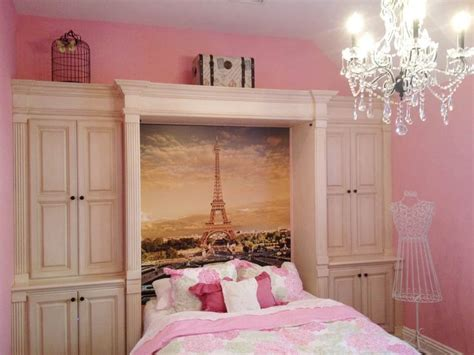 cute teenage girls room decor with eiffel tower theme 17 best images about models fourth on pinterest