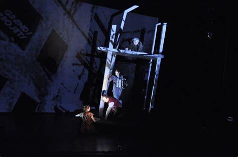 L Homme Dans Le Plafond by Avignon L Homme Dans Le Plafond Captive 224 La