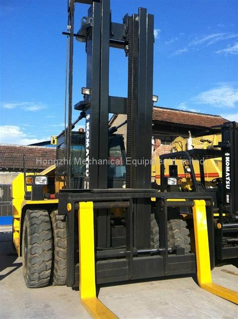 used forklift komatsu 30tons in working condition