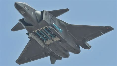 China's J-20 Stealth Fighter Stuns By Brandishing Full ... J 20