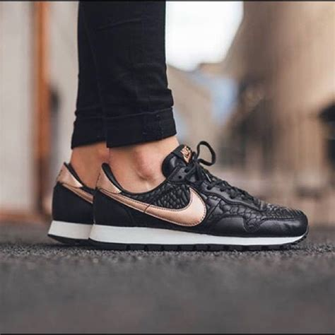 Nike Vegasus Slip On 2 nike air pegasus premium quilted leather sneakers nwt