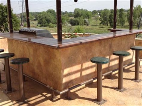 Outdoor Bar Countertop Ideas by Cool Outdoor Stained Concrete Countertop And Bar Stools