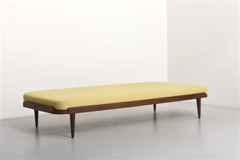 Daybed With Mattress Daybed With Yellow Mattress Modestfurniture