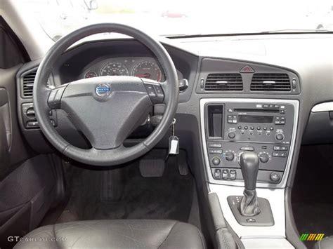 Volvo S60 Interior Photos by Volvo S60 2005 Interior